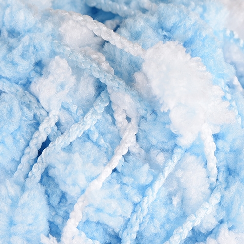 небесно синьо с бяло