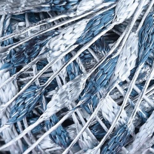дънково синьо и бяло