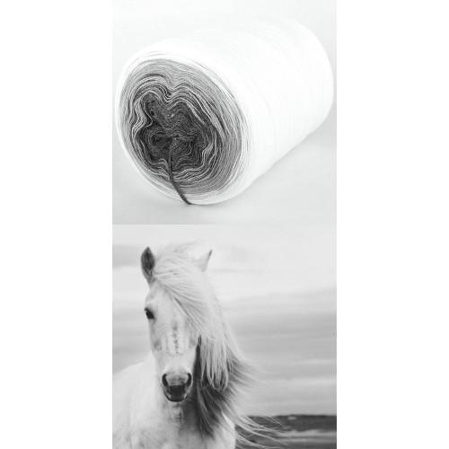 бяло, светло и тъмно сиво