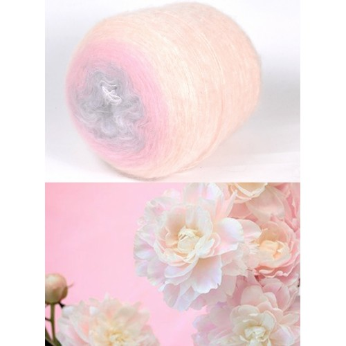 светло кремаво, розово и бледо лилаво