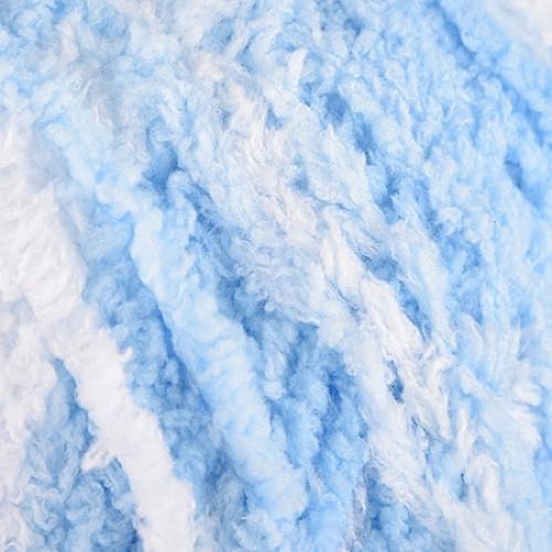 бяло, светло синьо